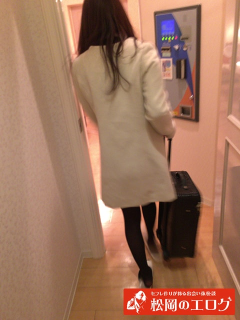 相席屋で連れ出した女の子を口説いてホテルへ行った写メ